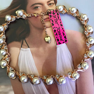 NWT Betsey Johnson Pearls Choker Necklace!